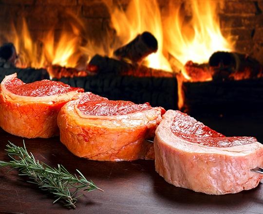 Assando carne